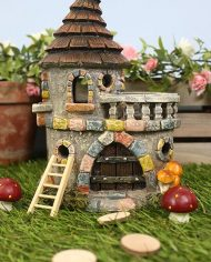 FO_59035 Fairy castle with balcony on grass