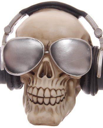 skull with headphones 1