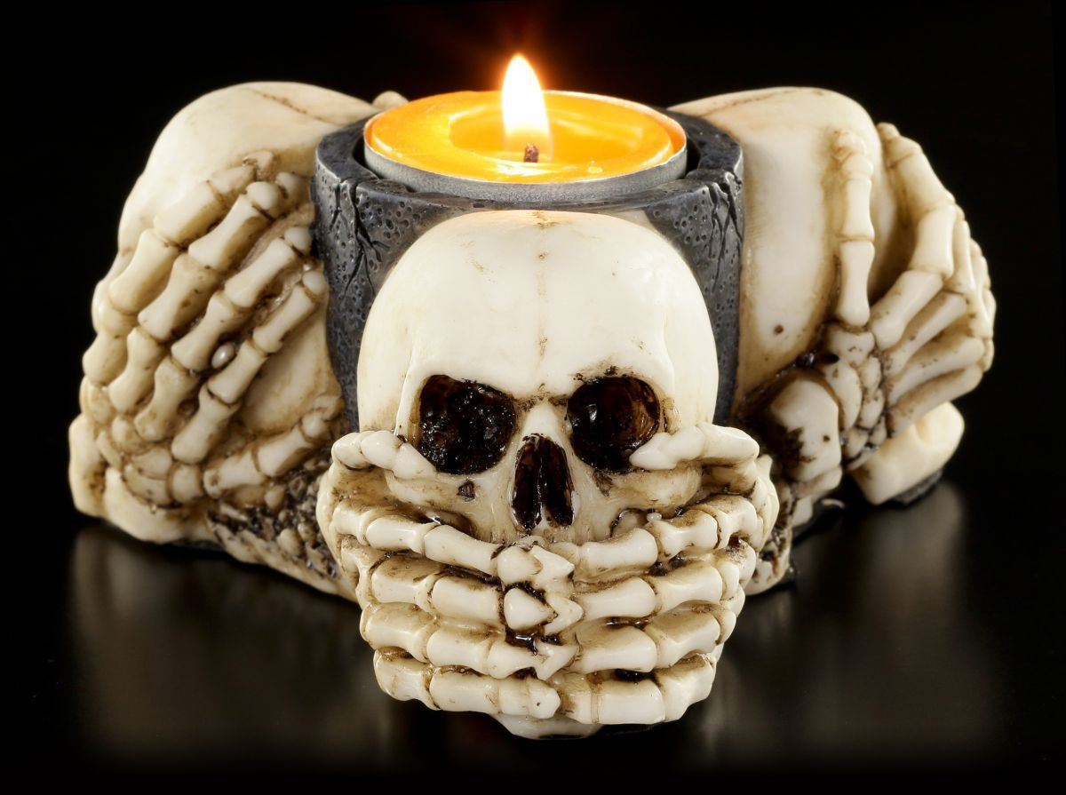 three wise skulls lit 2